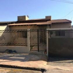 Vendo Casa Assobradada no Jardim Oriente